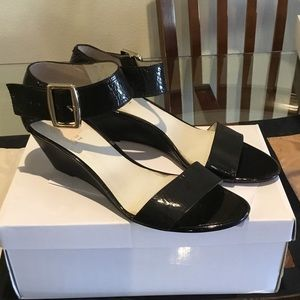 🛍Nine West sandals black color size 9.